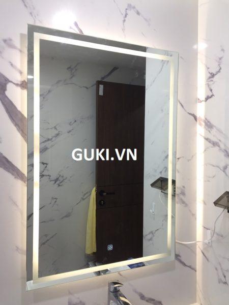 Gương phòng tắm đèn led ánh sáng trắng
